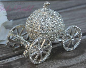 FAST SHIPPING!! Beautiful Carriage Jewelry Box, Wedding Ring Box, Vintage Carriage Box, Sparkling Carriage Jewelry Box, Wedding Gift