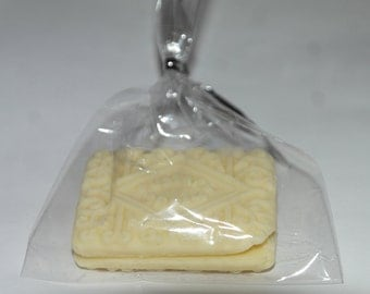 Artisan Solid White Chocolate Biscuit Wedding/Party Favours - Custard Cream