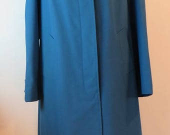 Vintage 1970s charming teal blue Dannimac rain coat, fully lined, UK size 20, US 18, EU 48.
