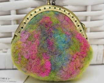 Small felt purse kiss lock purse felted purse Jewellery pouch coin purse merino wool Gifts 11827