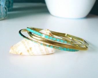 New: Fine brass bracelets, Bangle set 3 pieces, hammered brass bracelets, bracelet turquoise, Bangle, bracelets 3-piece set