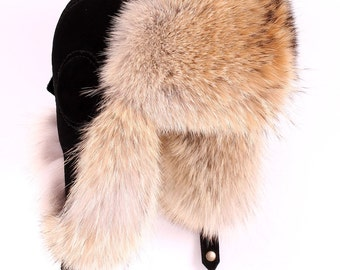 Men's hat earflaps of the wolf (Canada)