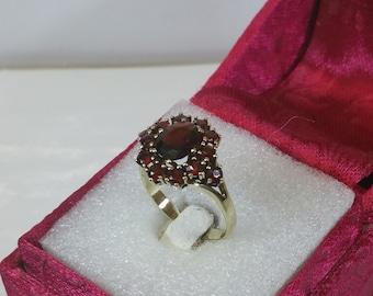 Ring GR217 gold 333 with Garnet stone vintage old