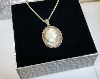 Pendant gem cameo Pearl silver 835 old SK959