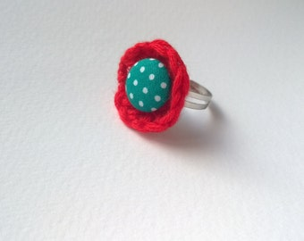 Colorful crochet ring with button - red, green