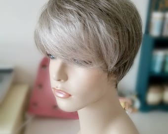 Modern Pixie Cut Salt Pepper Beige sandy synthetic wig, modern cut trendy shag wig, Photo Shoot wig, Photo Prop wigtrendy wig
