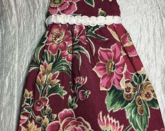 Dress for Blythe sized doll, sleeveles Burgandy Floral Blythe Summer Dress with trim for blythe and similar dolls