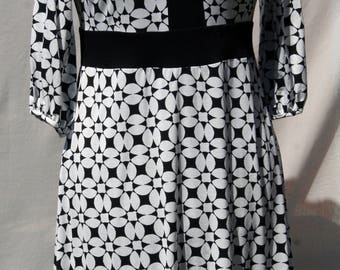 Black and white flowers pattern dress - Cotton jersey graphic dress- Black and white dress - summer dress- Handmade- Made in France