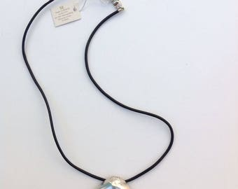 Vintage MMA Metropolitan Museum Of Art Sterling Silver Shell Charm Pendant Black leather chord Necklace