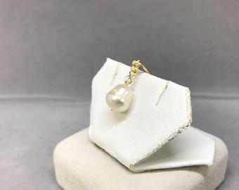 14k Yellow Gold Natural Sapphire (0.15 ct) Pearl Pendant, Appraised 571 USD