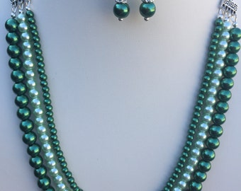 Green Multistrand Glass Pearl Necklace