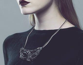 Silver leather necklace / BOIS FLOTTÉ