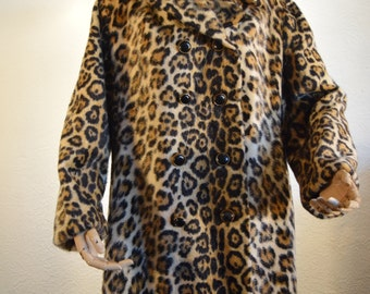 Super Stylish Leopard Print Coat // Faux Fur // Retro // Mod // 1960s // Animal Print // Evening wear