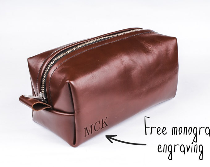 Leather Toiletry bag - Travel Bag - Leather Dopp Kit - Groomsmen gift - Custom Toiletry Bag - Gift for men - Gift for him - Travel case