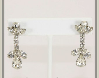 Vintage Rhinestone Dangle Earrings,Vintage Earrings,Vintage Rhinestone Earrings,Vintage Dangle Earrings,Vintage Pierced Rhinestone Earrings