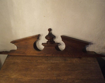 """Pediment sculpted wood, ideal for """"Makeover"""""""