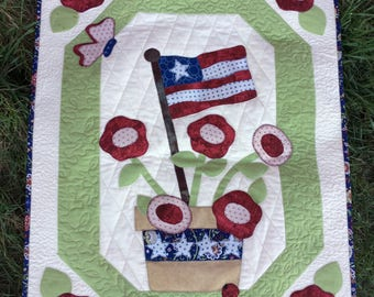 Patriotic Quilted Wall Hanging, Appliquéd Flag, Stars And Stripes, Red White Blue Flowers, 4th Of July Decor, Independence Day