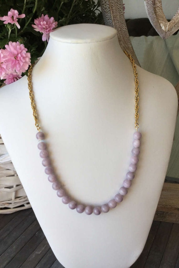 Stone necklace and gold chain, mauve Pearl necklace, short necklace, chain gold gemstone of lilac quartz with medal mandala