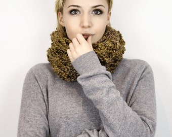 Seriously Chunky Super Soft infinity scarf - WATERWEED -
