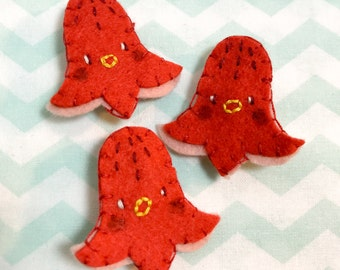 Hotdog Octopus Felt Pin // Felt Badge // Food // Handmade Jewelry // Accessories // Patches & Pins // Embroidery // Gift for Foodie