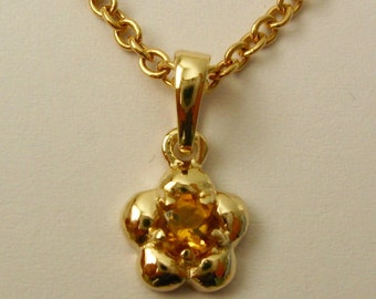 Solid 9ct Yellow Gold Birthstone Daisy Cubic Citrine Pendant
