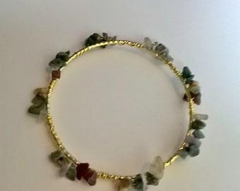 Green Mixed Agate Stone Chip Gold Wired Bangle Bracelet, Green Stone Chip, Healing Jewelry, Chakra Jewelry, Bangle