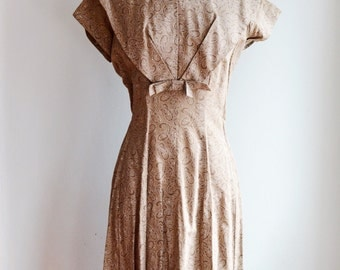 "1950's Paisly Print Dress/Waist 32"""