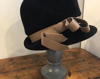 Vintage Gimbels hat in original box with tags.