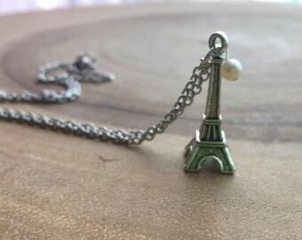 Eiffel tower necklace, Paris necklace, pearl pendant, Paris lover, French charm, Bridesmaid gift, dainty necklace, Paris jewelry