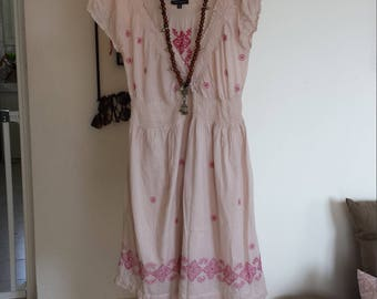 Robe Pink embroidered mid size unique flowers