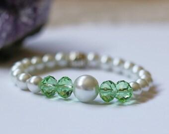 Pearl and Crystal Bracelet, Beaded Bracelet, Pearl Bracelet, Crystal Bracelet, Stretch Bracelet, Bridesmaid Bracelet, Friendship Bracelet.