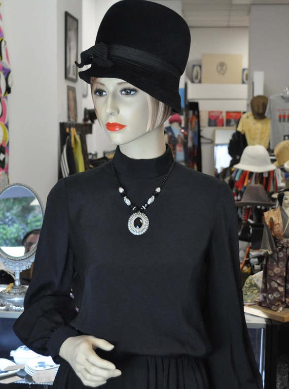 Vintage 1960s Black Geoffrey Beene Fully Lined Mod Cocktail Dress