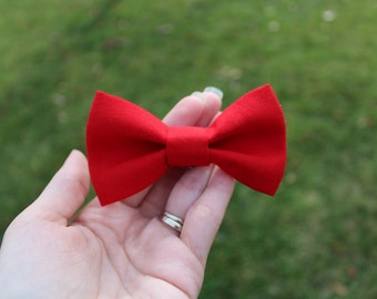 Red clip on bow tie, Christmas clip on bow tie,  baby bow tie, toddler bow tie, boy bow tie, men's bow tie