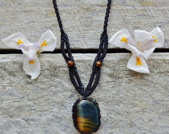 Tigers Eye Macrame Necklace
