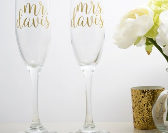 Mr and Mrs Champagne Flutes - Personalized Champagne Toasting Flutes - Wedding Toasting Glasses - Bride and Groom Toast - Set of 2