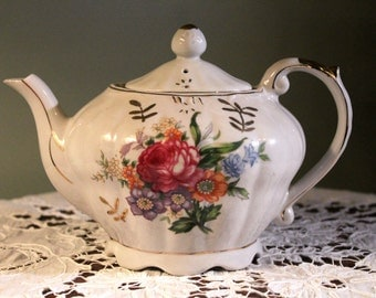 1950's Vintage Teapot with a Lovely Floral Bouquet and Music Box that plays Tea for Two