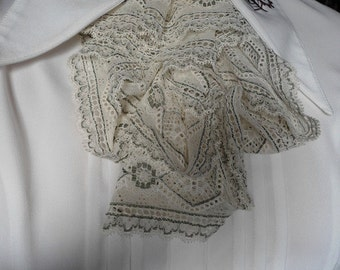 jabot in white and green lace