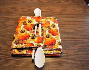 Casserole Carrier, Quilted Casserole Carrier, Fabric Casserole Carrier, Dual Sized Casserole Carrier, Pumpkins and Sunflowers, Food Tote