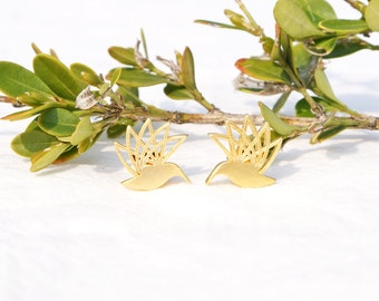 Hummingbird Earrings, Flying Bird Earrings, Hummingbird Stud Earrings, Gold Bird Earrings, Silver Bird Earrings, Flying Bird Studs