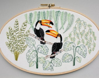 Embroidered Toucan - embroidery picture in the hoop, oval