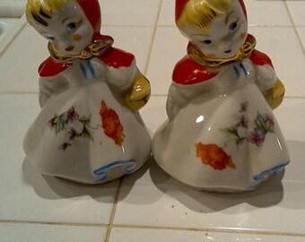 20% off Original HULL Pottery Little Red Riding Hood Salt & Pepper Shaker / HULL Pottery / Salt n Pepper Shakers