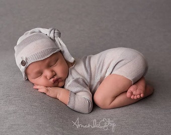Newborn romper and hat set / photography prop