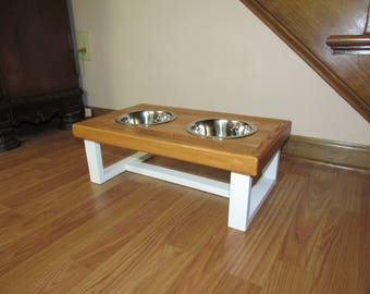 Farmhouse style elevated dog feeder. Medium size dog feeding station with bowls. Dog bowl stand. Pet food bowl stand. Dog food tray.