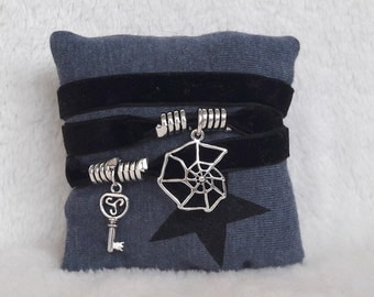 Gothic bracelet velvet black Spider Web