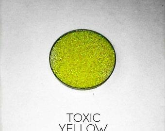 Pressed Glitter Eyeshadow - 'Toxic Yellow'