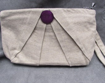 Pleated Wristlet in Natural Linen
