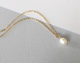 SMALL PEARL Necklace 14k gold filled dainty, layering necklace, minimalistic, pearl necklace, simple, elegant, by little Motives