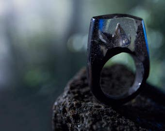 Dark Mountain Lotus Ring