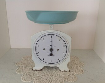 Vintage 1930's Kitchen Scales with Imperial measurements/ Retro/Farmhouse/Rustic/Made in Australia