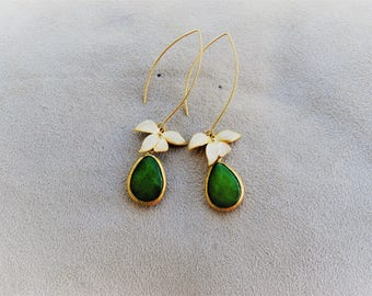 Green stone earrings with gold metal Orchid teardrop shaped handmade